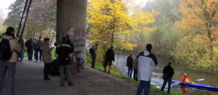 T5er-Treffen unter der Brücke